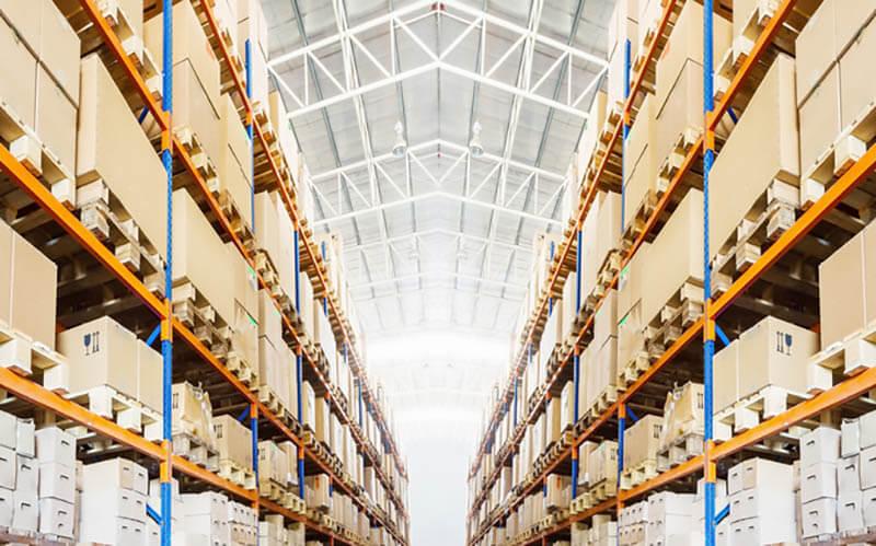rak industrial dalam gudang